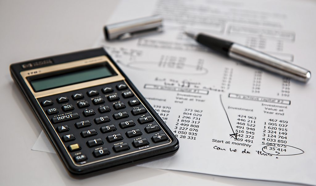 ¿Ahorrar mediante planes de pensiones o fondos de inversión?